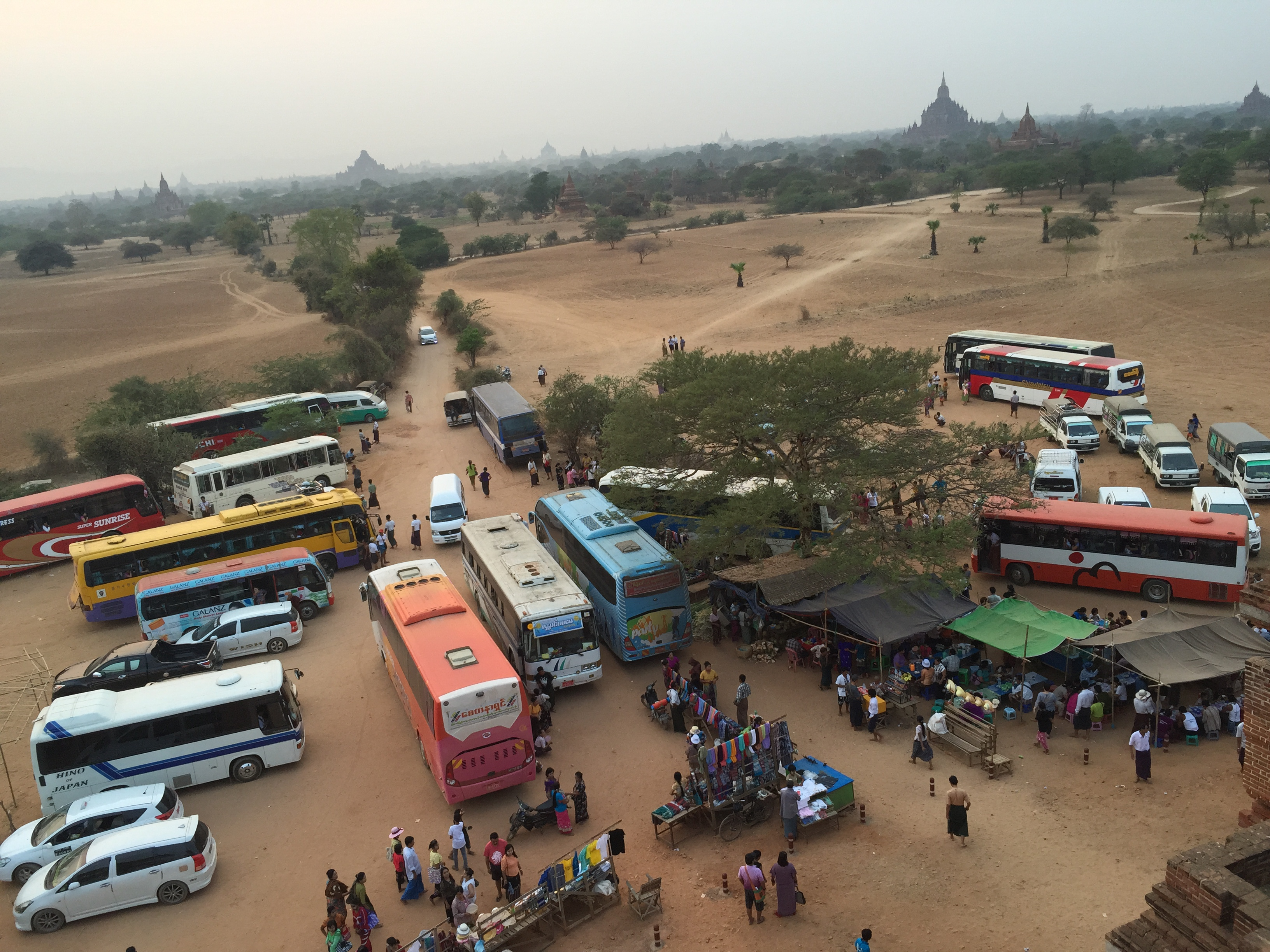 Touristes, Bagan, Birmanie